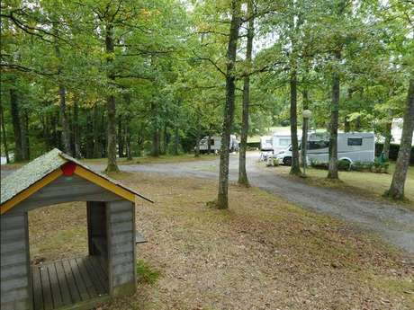 Camping Les Roches FERMÉ
