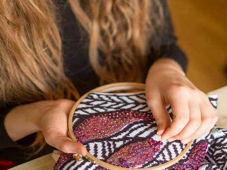 Lou Salamon : artiste brodeuse et designer textile