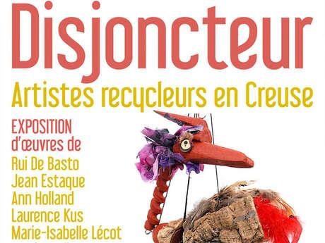 """Exposition photos à la médiathèque """"Disjoncteurs - artistes recycleurs en Creuse"""""""