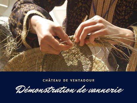Démonstration de vannerie au château de Ventadour