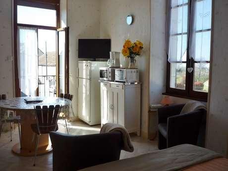 Meublé de M. et Mme Migot Studio étage