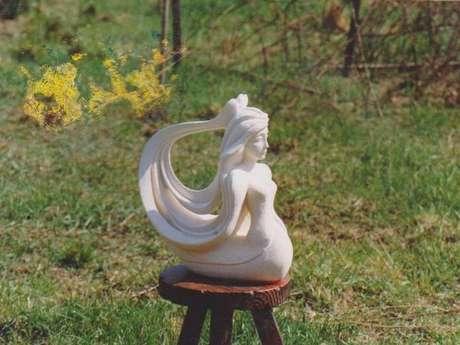 Sculpture sur pierre Ludovic Thonet