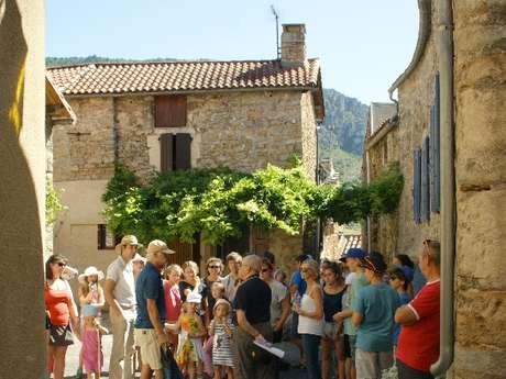 Visitez le village de Mostuéjouls avec un habitant