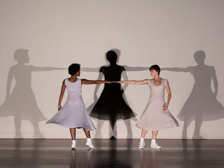SPECTACLE FASE-FOUR MOVEMENTS TO THE MUSIC OF STEVE REICH