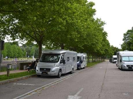 AIRE D'ACCUEIL DE CAMPING CARS - PORT D'EPINAL