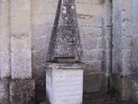Tombe du mousquetaire du roi