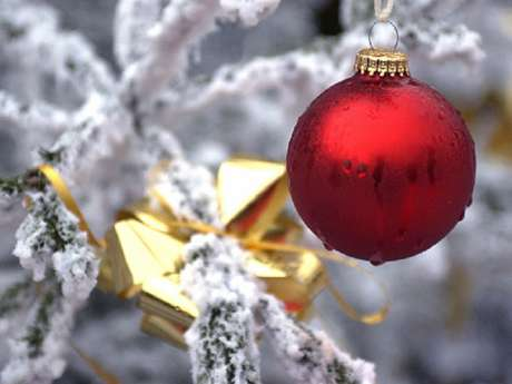 Noël approche, mettez un  monument dans le sapin!