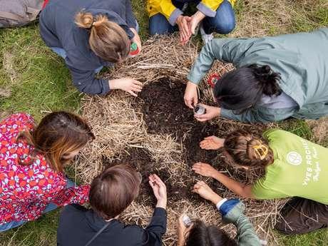 Atelier permaculture avec Laure au Jardin Botanique Yves Rocher