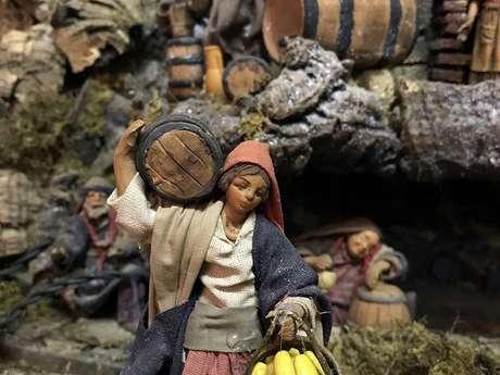 Village italien animé et sa crèche
