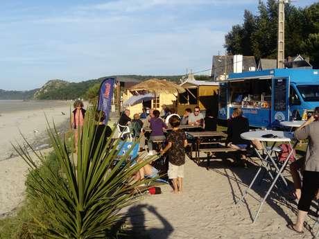 Les Pieds dans le sable à St Efflam Beach