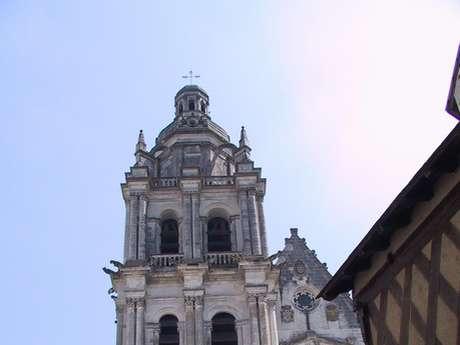 Visite de l'église à Droué