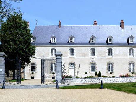 CHAMBRE D'HÔTES AU CHÂTEAU D'HAUTERIVES
