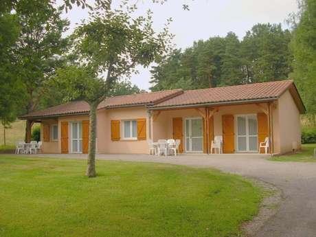 """Village de Vacances """"Le P'tit Bois"""""""