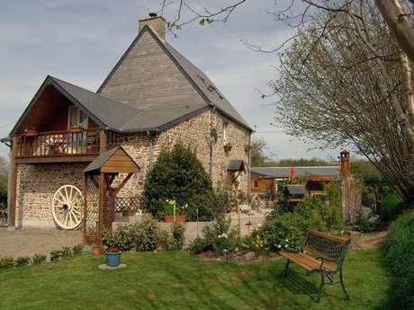Chambres d'Hôtes > Flowerpots Maison de l'Oraille