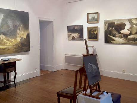 ''LA MAISON BLEUE'' GALERIE D'ART ET FOURRE-TOUT CULTUREL