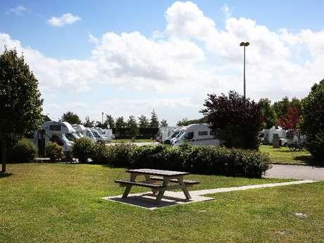 Aire de stationnement et de service du Parc Sainte-Croix