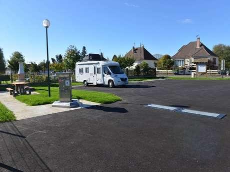 Aire de stationnement et de services - Saint-Cyr-du-Ronceray