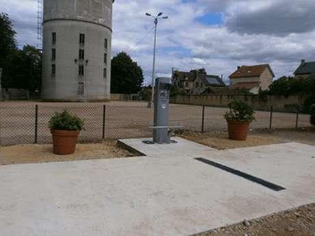 Aire de stationnement et de service - Halle médiévale de Saint-Pierre-sur-Dives