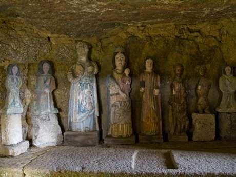 Dolmen de la chapelle des Sept Saints