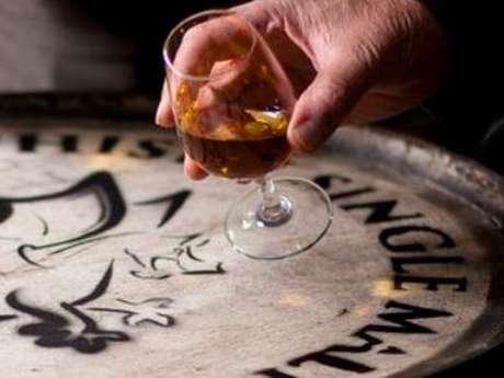 Visites guidées autour de la Fine Bretagne et du Pommeau de Bretagne à la distillerie Warenghem