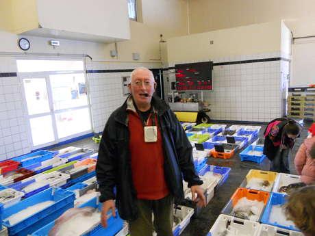 Visite guidée de la criée et Conservatoire des bouées