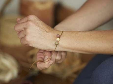 """Atelier Préhisto """"Fabriquer un bijou"""""""