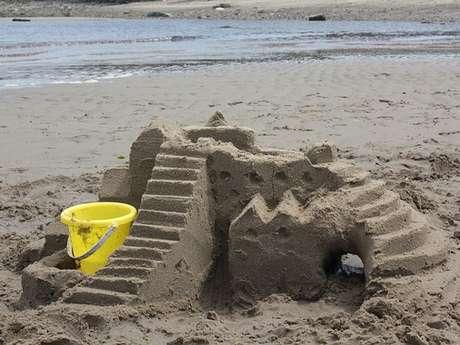 Reporté - Concours du plus beau château de sable