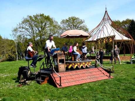 Le Cabaret-cyclette ... aux Jardins de Brocéliande