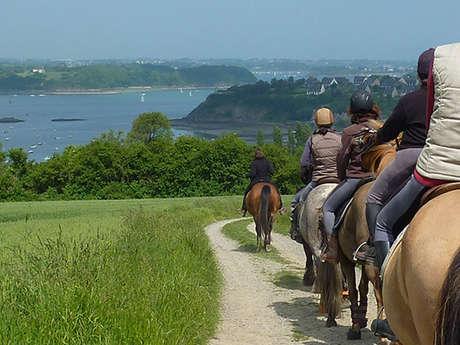 Patrimoine à cheval en Baie du Mont-Saint-Michel : Etape 1, Boucle des Bords de Rance