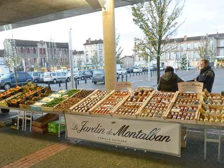 The Wednesday market in Montauban