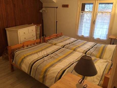 """Appartement """"Iris"""" 2 personnes à Ornolac-Ussat Les Bains"""