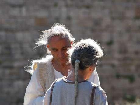 """Filage et tissage de la laine comme au moyen âge au château de Lordat"""""""