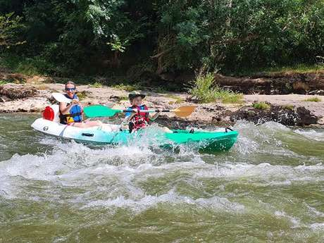 """Canoeing, kayaking & rafting with the """"Shark'Aventures"""" instructors office"""