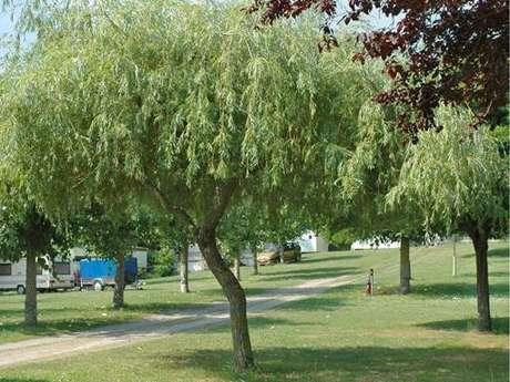 """Aire naturelle de camping """"La Bernière"""" à Arignac"""