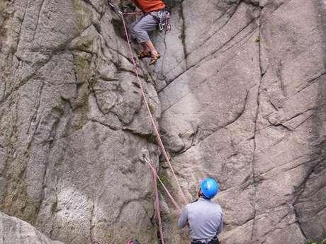 Escalade avec le Bureau des Guides des Pyrénées Ariègeoises