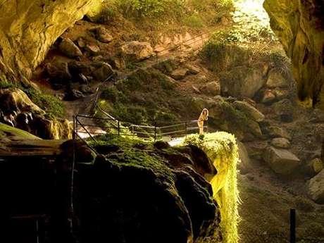 Randonnée souterraine  à la Grotte de Lombrives