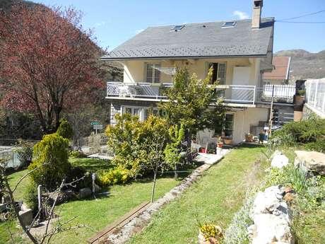 """""""Admiradou"""" Appartement  indépendant 4 personnes  dans villa à Ax Les Thermes"""
