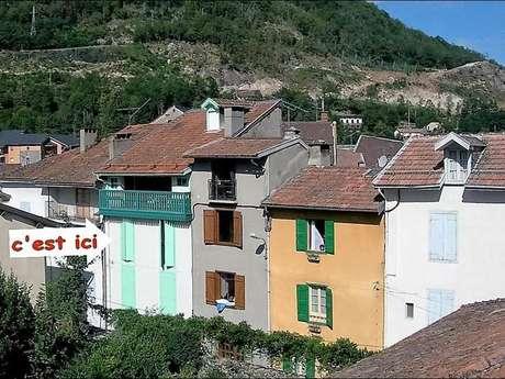 """Clévacances - Meublé 0948492 - """"Appartement dans une ville thermale (2ème étage)"""""""