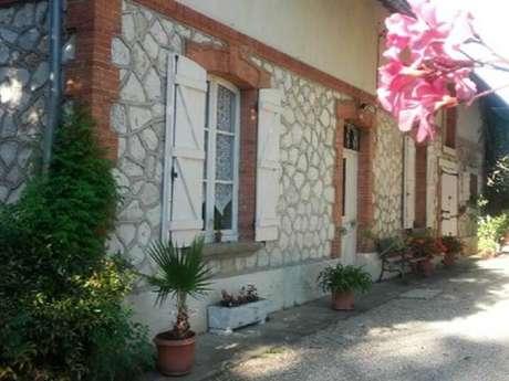 Casa rural de Sr y Sra Negre / Gîte Les Marronniers à Villemade