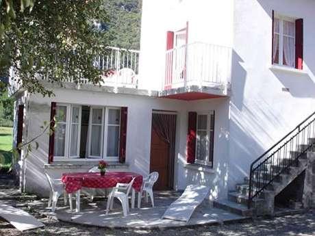 Appartement n°2 4 personnes à Ornolac-Ussat-Les-Bains
