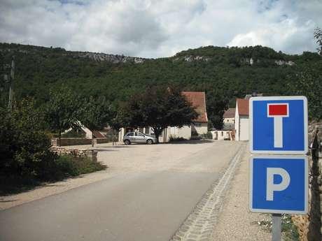 Parking de l'Eglise St-Jean-de-Narosse