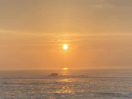 Micro-aventure L'île au soleil couchant