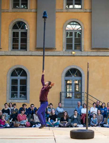Cirque : Instable