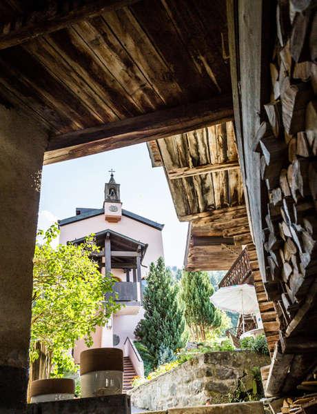 Discover the village of Champsec and its Maison de la Pierre Ollaire