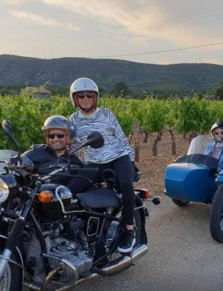 Balade en Side-car sur la route gourmande - vins et chocolat / BE5