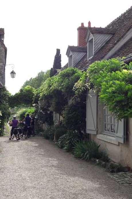 Visite du village de St Dyé et dégustation (confirmé)