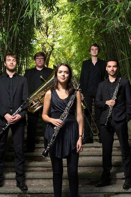 Quintette Phénix + « Eh bien, dansez maintenant »