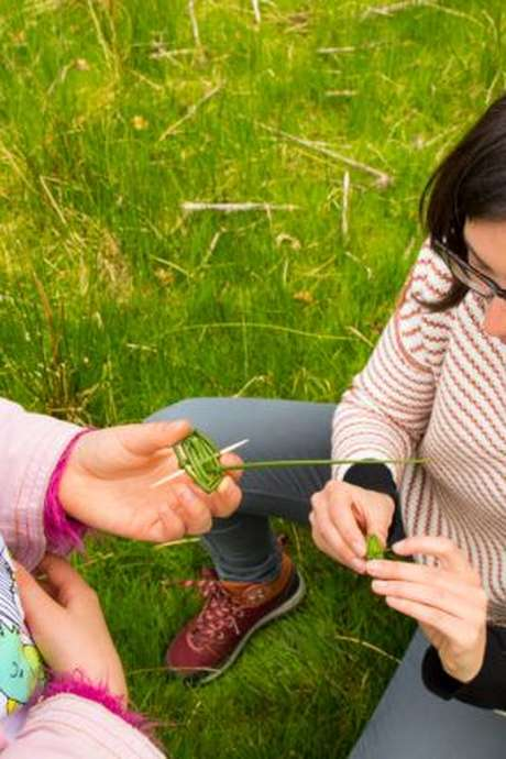 Les ateliers des petits dégourdis : Jouets buissonniers en breton