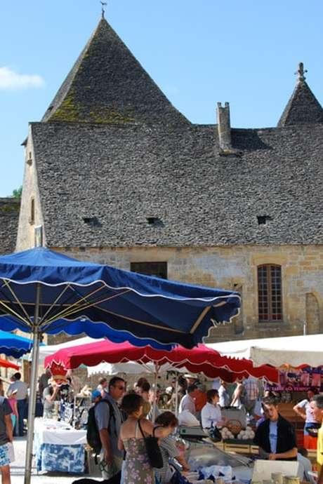 Marché hebdomadaire à Saint-Geniès