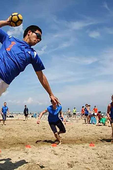 BEACH TCHOUKBALL / BEACH TENNIS